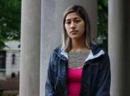 دختر دانشجو به خاطر تجاوز جنسی رختخوابش را با خود حمل می کند