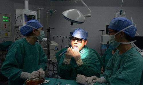 عمل جراحی عجیب و جدید برای مشکل خر و پف شبانه + عکس