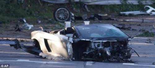 عکس هایی از مرگ پسر جوان در ماشین محبوبش