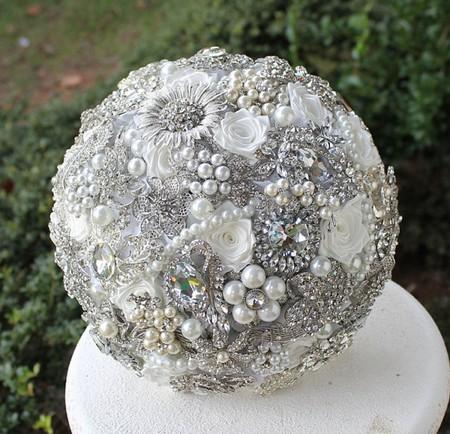 مدل های شیک و جدید دسته گل عروس سیلور کاری شده