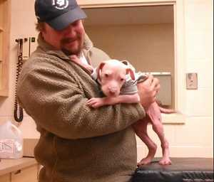 قدردانی دیدنی باورنکردنی سگ از ناجی جانش + عکس