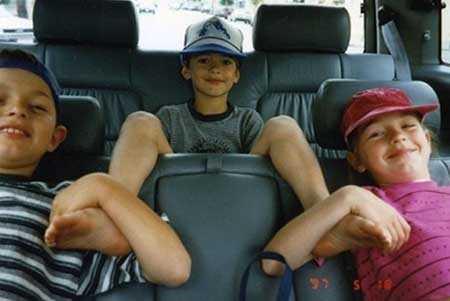 سری جدید و باحال عکس های خنده دار از کودکی تا بزرگسالی