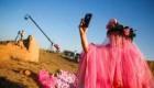 ازدواج کونگ نینگ زن هنرمند معروف چین هنرمند با اسب + عکس