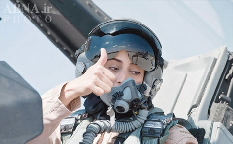 نخستین خلبان زن اماراتی در جنگ علیه داعش + عکس
