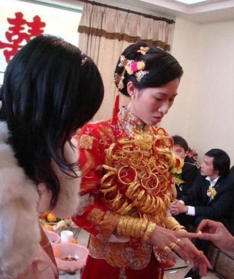 عروس عجیب و ثروتمند چینی سوژه رسانه ها شد + عکس