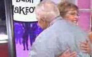 حیرت جنجالی شوهر پس از دیدن همسر 77 ساله اش پس از آرایش