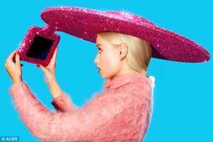 کلاهی مخصوص عاشقان عکس سلفی + عکس