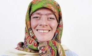 خلاقیت دیدنی زن زیبا با چهره های متفاوت + عکس