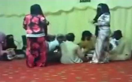 مجلس رقاصی زنان و دختران جهاد نکاح برای داعشی ها + عکس