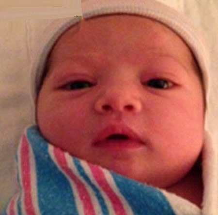 خبر جنجالی متولد شدن دختر میلا کونیس جذاب ترین زن دنیا