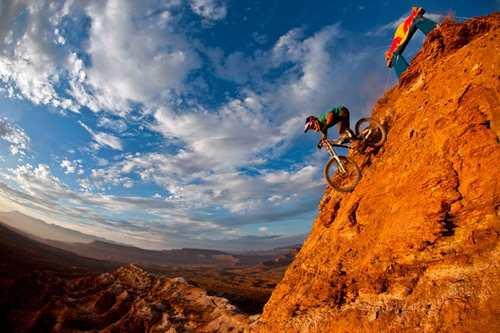 عکس های پر انرژی از ورزشهای کوهستانی مهیج و دیدنی