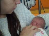 مادری که نمی دانست باردار است دوقلو زایید +تصاویر