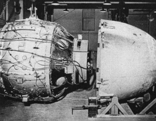تصاویری از چند ساعت قبل از پرتاب بمب اتم بر روی هیروشیما