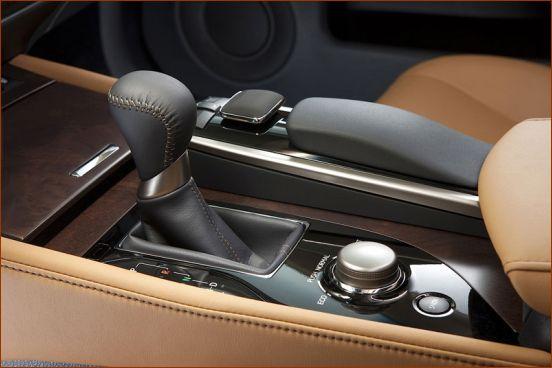 بررسی مشخصات خودروی لکسوس GS250 + عکس