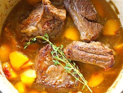 طرز تهیه گوشت دنده با طعم هلو