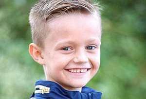 عکس های دیدنی از پسر آرواره ای با دو دست دندان