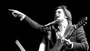 گفتگوی جنجالی با محسن یگانه خواننده خوش صدای کشور