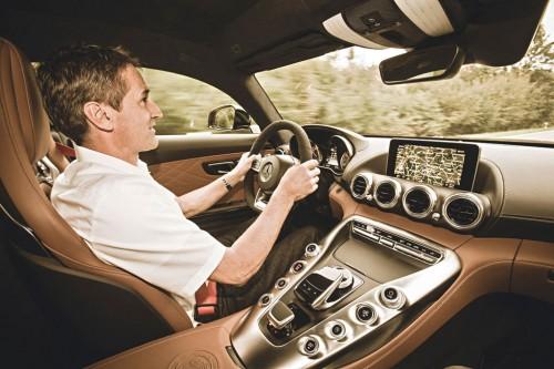 بررسی اولین تجربه رانندگی با مرسدس بنز AMG GT