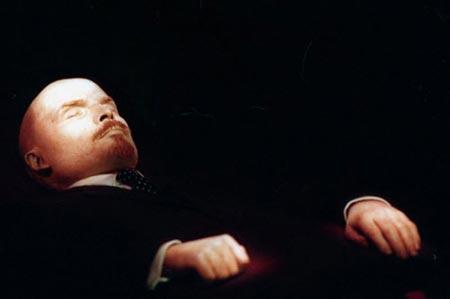 سرنوشت جالب جسد شش آدم مشهور تاریخ +عکس