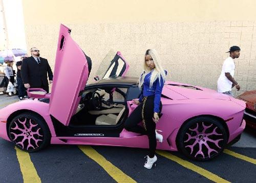 ستارهای پولدار دنیا چه خودروهایی دارند؟