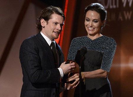 مراسم اهدای جوایز فیلم هالیوود با حضور آنجلینا جولی +عکس