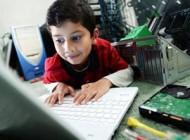 پسری ۵ ساله، جوانترین نابغه کامپیوتر دنیا +عکس