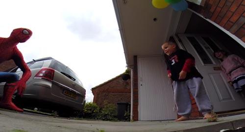 سورپرایز اسپایدرمن در روز تولد فرزندش + عکس