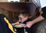 کودکی که احساس گرسنگی و تشنگی را از دست داد!+عکس