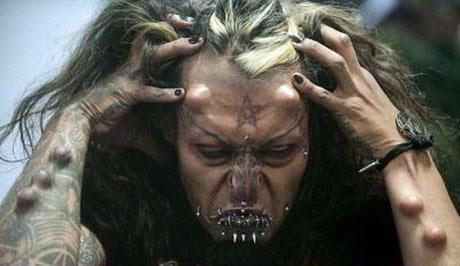 قیافه وحشتناک و عجیب یک شیطانپرست +عکس
