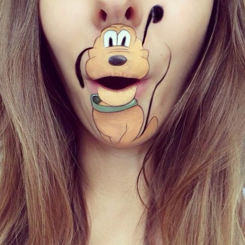 عکس های جالب شخصیت های کارتونی بر روی لب های یک دختر آرایشگر