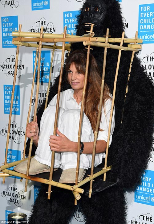 مد عجیب خانم هنرمند در یاری رساندن به حیوانات! +عکس