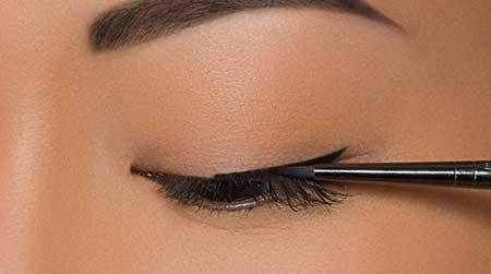 آموزش تصویری کشیدن خط چشم خاص و کامل
