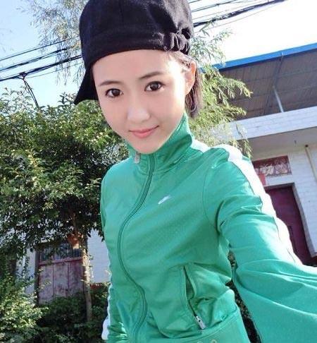 زیباترین دختر چینی 19 ساله مبتلا به بیماری سرطان +عکس