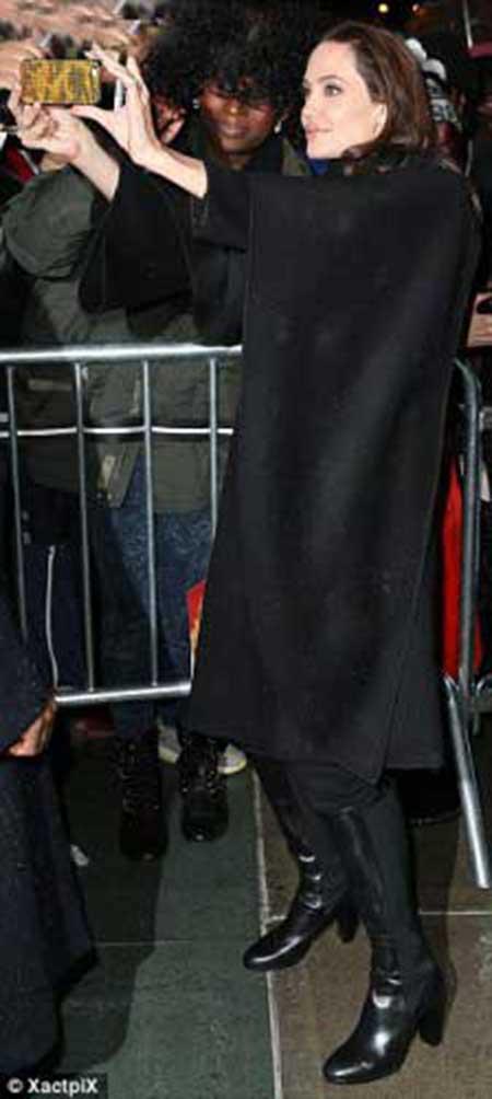 حضور آنجلینا جولی در مراسم اکران فیلم شکست ناپذیر +عکس