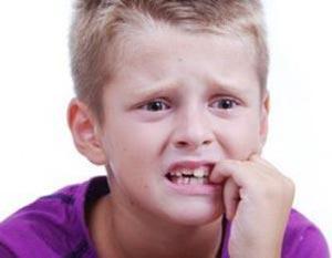 دلایل ناخن جویدن کودکان چیست؟