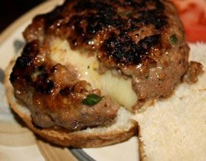 طرز پخت چیزبرگر درون پنیری