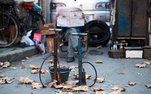 استفاده از تلمبه دوچرخه برای عقیم نمودن خانم ها در هند!+عکس