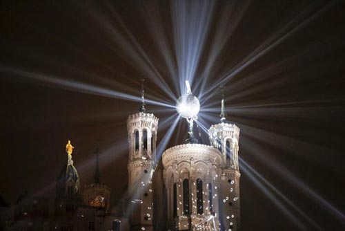 عکس های جالب و دیدنی جشنواره نور در فرانسه
