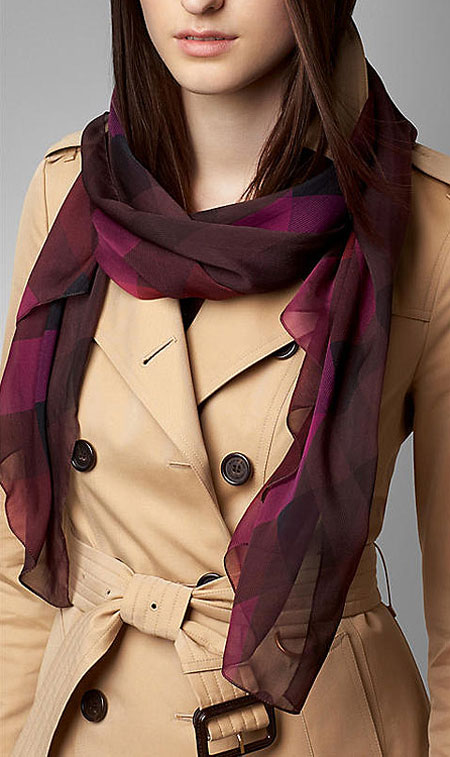 انواع مدل های جدید شال و روسری Burberry