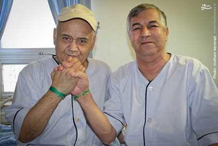 «اکبر عبدی» مردم را در بیمارستان هم میخنداند! +عکس