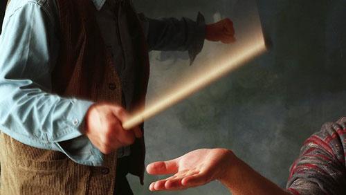 داستان تمام نشدنی چوب معلم های ایرانی