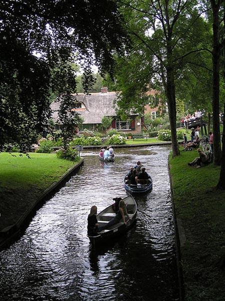 دهکدهای بسیار زیبا بدون حتی یک خیابان !! +عکس