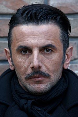 گریم جالب بازیگران در فیلم سه بیگانه + عکس