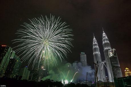 جدیدترین تصاویر جشن های آغاز سال 2015 میلادی