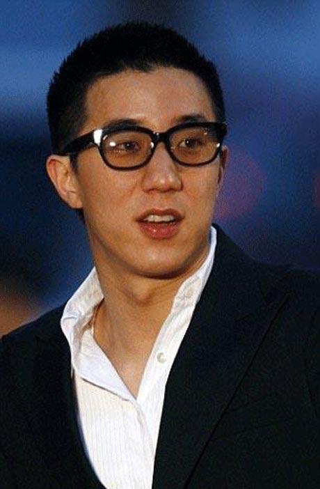 فرزند جکی چان به خاطر رفتار ناشایست از مردم عذرخواهی کرد +عکس