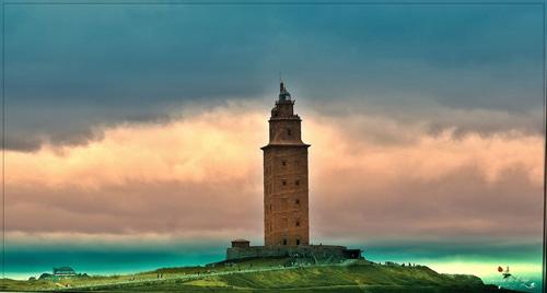 بی نظیر ترین برج های کج شده دنیا +عکس