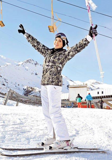 همسر لیلا بلوکات عکس جدید لیلا بلوکات شوهر لیلا بلوکات زنان در پیست اسکی بازیگران در پیست اسکی اسکی لیلا بلوکات
