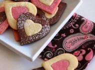نحوه تهیه شیرینی های قلبی مخصوص روز عشق