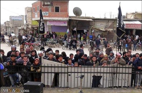 گروه تروریستی داعش دست جوان سوری را قطع کرد + (عکس ۱۸+)
