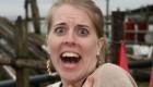بیرون آوردن زالو از بینی یک زن!! + عکس